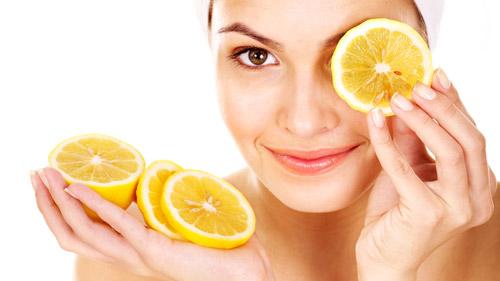 آب لیمو برای درمان جوش زیر پوستی